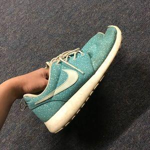 Nike Speckled Roshes